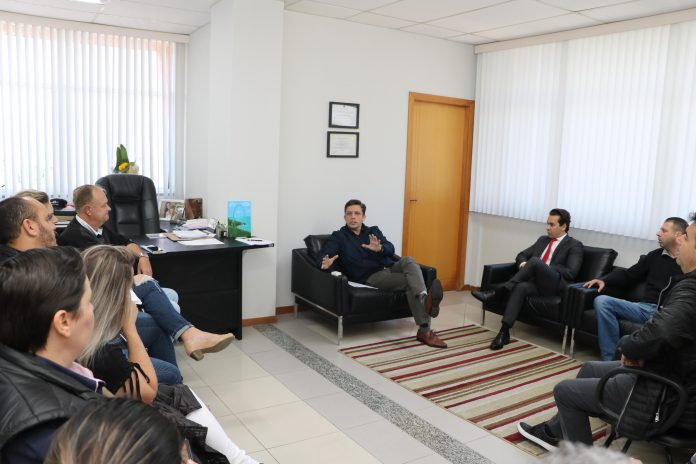 Fabrício propõe regulamentação regional para motoristas por aplicativo em Balneário Camboriú, SC Hoje News - Notícias de Balneário Camboriú