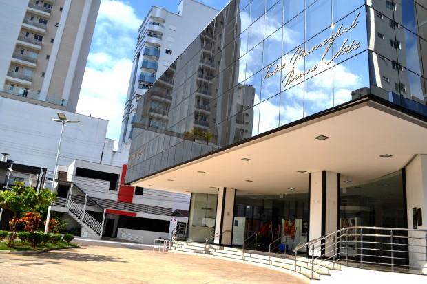 Musicais movimentam o Teatro Municipal neste fim de semana em Balneário Camboriú, SC Hoje News - Notícias de Balneário Camboriú
