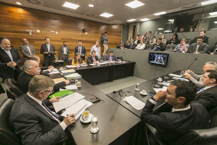 CCJ da Alesc arquiva projeto que proibia testes e instalação do 5G no estado, SC Hoje News - Notícias de Balneário Camboriú