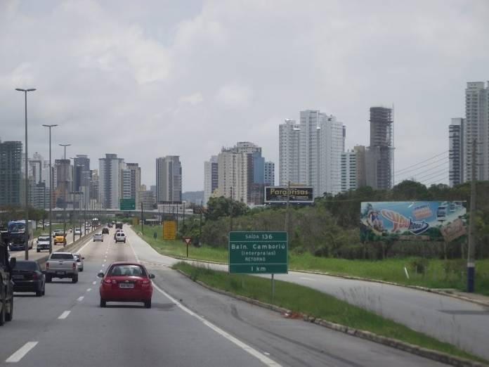 Autopista desiste de modificar o trânsito na Marginal da BR-101 em Balneário Camboriú, SC Hoje News - Notícias de Balneário Camboriú