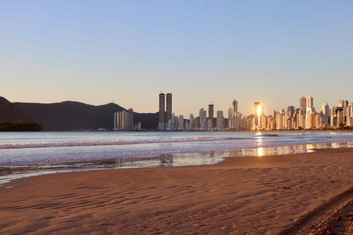 Praias de Balneário Camboriú estão aptas para banho, SC Hoje News - Notícias de Balneário Camboriú
