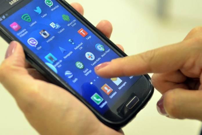 Smartphones usados em excesso prejudicam crianças, Notícias de Balneário Camboriú