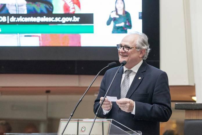 Deputado Dr Vicente Amvali, Notícias de Balneário Camboriú