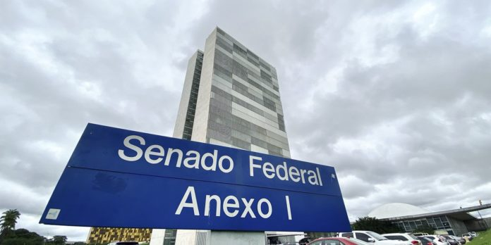 presidente-encaminha-ao-senado-pedido-de-emprestimo-externo