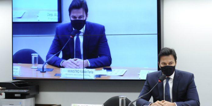 ministro-das-comunicacoes-discute-5g-com-deputados-na-camara