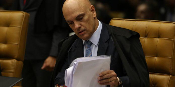 presidente-bolsonaro-formaliza-pedido-de-impeachment-de-moraes