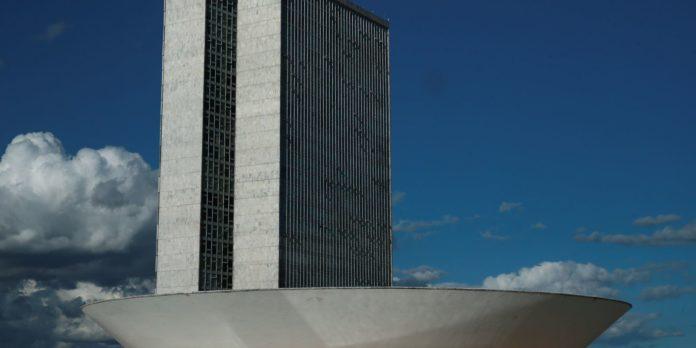 camara-aprova-dispensa-de-licitacao-para-insumos-contra-covid-19