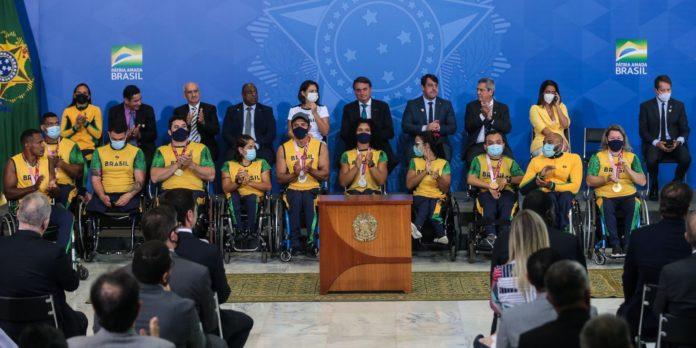 presidente-recebe-atletas-olimpicos-e-paralimpicos-no-palacio