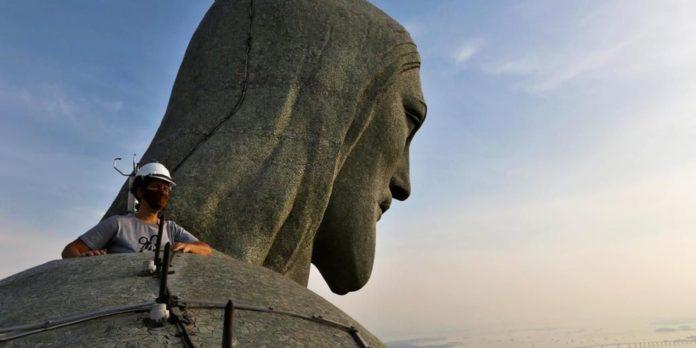 rio-de-janeiro-celebra-os-90-anos-do-cristo-redentor